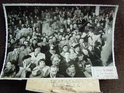 Photo , Supporters Havrais Au Stade Des Bruyères ( Robert Diochon ) Pour Le Derby Le Havre ( HAC ) Rouen  ( FCR ) - Fútbol