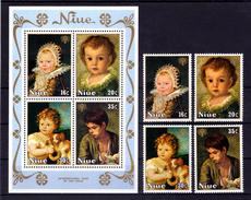 "NIUE  1979   MNH  -  "" ANNEE INTERN. ENFANT / INTERNATIONAL YEAR OF THE CHILD ""   -   4  VAL. + 1 BLOC"