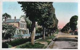 76 - GOURNAY En BRAY - CPSM - Boulevard De La Gare Et Etablissement De Bains - Gournay-en-Bray