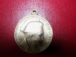 Rare Ancienne Médaille De Napoléon Jeune A Béliere - Andere