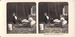 Collection Stéréoscopique GALACTINA N°33 / Photos Stéréoscopiques Ph. NPG 1906   Enfants Jouets Boite Lait Alpes Suisses - Stereoscopic