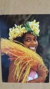 TAHITI UNE FILLE DES ILES Carte Postale Neuve Années 70 Très Bon état Dos Partagé - Polynésie Française