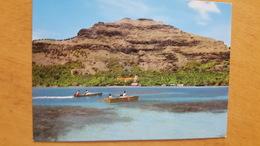 MANGAREVA ILES GAMBIER LE VILLAGE DE RIKITEA Carte Postale Neuve Années 70 Très Bon état Dos Partagé - Polynésie Française