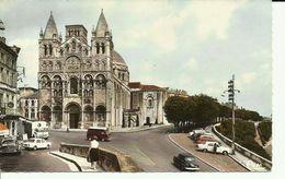 ANGOULÉME -- Cathédrale Saint-Pierre -- (animée) - Angouleme