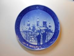 Royal Copenhagen Chrismas Plate 1988 - Chrismas Eve In Copenhagen- 1st. Quality - CHF 56.00 - Royal Copenhagen (DNK)