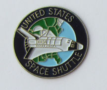 Pin's NASA - SPACE SHUTTLE - Espace