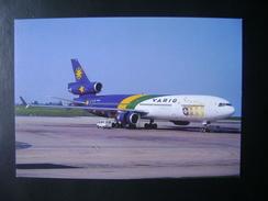 NOT ORIGINAL COMPANY POSTCARD AIRPLANE MD-11 OF VARIG / WORLD FOOTBALL CUP 98 MARKINGS (BRAZIL) - 1946-....: Ere Moderne