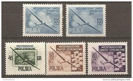 Pologne  Poland Polen Polska  ** MNH   N° YT  751/55 Championnats Vol à Voile  Planeurs - 1944-.... République