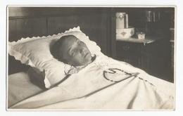 Photographie Femme Postmortem Foto Défunte Sur Son Lit De Mort Photo Véritable