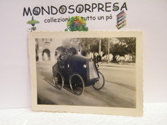 MONDOSORPRESA, FOTOGRAFIA ORIGINALE D' EPOCA  1931, BENGASI, CIRENAICA, AUTO D' EPOCA - Automobiles