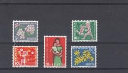 Suisse - Neufs**  -  Pro Juventute - Année 1962 - YT 700/704
