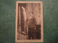 Brochet De 14 Livres Pris Par Mr Gaston FROGER - Pontivy
