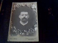 Photographie  Portrait Anonyme D  Un Homme Annee 1800..1900..dimentions 10 X 17 Cm Studio Merle A Pontoise - Anonymous Persons