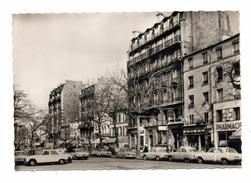 75 PARIS Xx E Le Boulevard Ménilmontant Voitures Renault Peugeot Panhard ..... - Arrondissement: 20