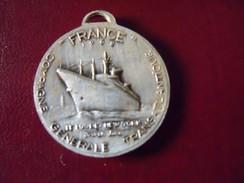 Ancienne Médaille Paquebot FRANCE Compagnie Générale Transatlantique - France