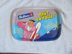 PLATEAU PUBLICITAIRE  BAHLSEN  (  Biscuits, Gâteaux )  TOUT EN FOLIE !   En Métal   VOIR SCANS - Publicité