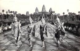 Carte Postale Ancienne Semi Moderne Danse Classique Kmère Angkor Vat Cambodge - Cambodge