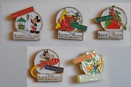 Série 5 Pin´s Euro Disney- Esso Par Arthus Bertrand:Main Street USA-Frontierland-Fantasyland-Adventureland-Discoveryland - Disney