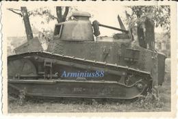 Campagne De France 1940 - Char Léger Français - Renault FT Avec Numéro D'identification (ID) : 1097 - Guerra, Militari