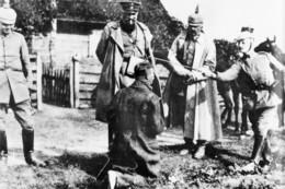 Militaria WW1 - Interrogatoire Musclé De Prisonnier Par Des Officiers Allemands - 1914-18