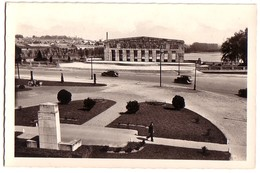 SAINT-QUENTIN: Place Du Monument - Saint Quentin