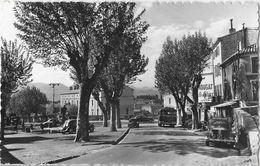 Montélimar (Drôme) - Place St Saint Martin, Vieilles Voitures (4 CV, Autocar) - Edition Glatigny - Montelimar