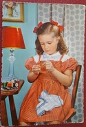 BAMBINA CON AGO E FILO - Little Girl With Needle And Thread - Vg 1959 - Ritratti