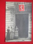 """75 - PARIS - CARTE PHOTO - 4 AVENUE ALPHAND - Lire Le Texte , La Personne Travaille à Cette Adresse..."""" TRES RARE """" - - France"""