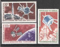 SENEGAL,1966 Poste Aérienne ESPACE, Yvert N° 45, 51 & 52 : Satellite Syscom II, D1, FR 1,fusée Scout ,neufs ** / MNH,TB