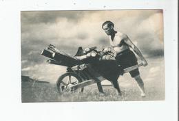 LES COMPAGNONS DE FRANCE AUX CHAMPS (CREE EN 1940) ET VOICI LE BOIS POUR CUIRE LE SOUPER - Weltkrieg 1939-45