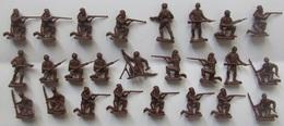 Figurines Monochromes Soldats Boers Et Guerriers Africain 25 Pièces 1/72 - Figurines