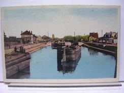 02 - CHAUNY - LE CANAL - ANIMEE - PENICHE - Chauny