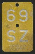 Velonummer Mofanummer Schwyz SZ 69 (Erste Gelbe Mofanummer SZ) ! - Plaques D'immatriculation