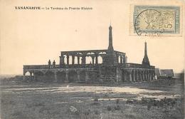 AFRIQUE  MADAGASCAR  TANANARIVE   LE TOMBEAU DU PREMIER MINISTRE - Madagaskar