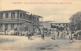 AFRIQUE   ETHIOPIE   DIRE - DAOUA  PENDANT LA RECEPTION DU DEDJAZMATCH TAFFARI MAKONNEN AU CONSULAT DE FRANCE - Ethiopia