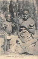 AFRIQUE  MALAWI  MISSION DU SHIRE DES PERES MONTFORTAINS   UN PERE ET SON ENFANT - Malawi