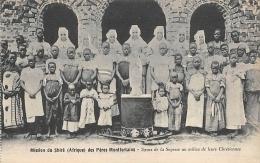 AFRIQUE  MALAWI  MISSION DU SHIRE DES PERES MONTFORTAINS   SOEURS DE LA SAGESSE AU MILIEU DE LEURS CHRETIENNES - Malawi