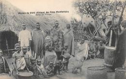 AFRIQUE  MALAWI  MISSION DU SHIRE DES PERES MONTFORTAINS   SCENE DE VILLAGE - Malawi