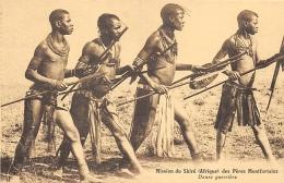 AFRIQUE  MALAWI  MISSION DU SHIRE DES PERES MONTFORTAINS    DANSE GUERRIERE - Malawi