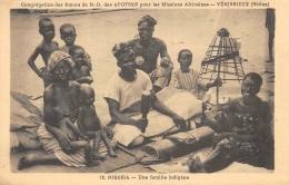 NIGERIA  UNE FAMILLE INDIGENE  MISSIONS AFRICAINES VENISSIEUX - Nigeria