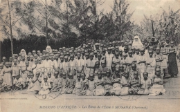 URUNDI  LES ELEVES DE L'ECOLE A MUGANA  MISSIONS D'AFRIQUE - Ruanda-Urundi
