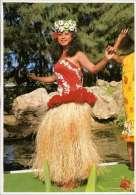 Tanzende Frau - Französisch-Polynesien