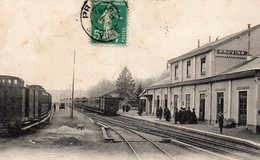 PROVINS 77 Seine Et Marne La Gare (vue Intérieure) - Stations With Trains
