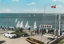 CPSM  50 JULLOUVILLE LES PINS REGATES DAUPHINE 2 CV - Voitures De Tourisme