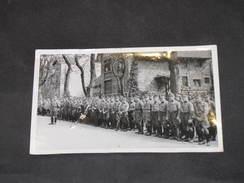 LE HAVRE - VITRY LE FRANCOIS (?) - 1 Photo Membres Du T.O.D.T. Passés En Revue - 1939-45