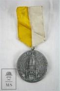 1944 Eucharistic Congress Barcelona Religious Medal - Religión & Esoterismo