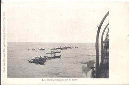 Cliché Des Oeuvres De Mer  Les Doris Portugais Sur Le Banc - Fishing
