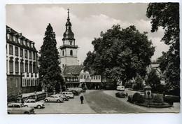 Erbach Im Odenwald, Marktplatz Mit Schloß, Rathaus Und Kirche, Autos Oldtimer - Erbach