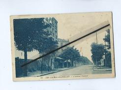CPA  Tachée - Les Lilas Bagnolet - L'Avenue Pasteur - Les Lilas