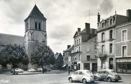 Deux Sèvres - Thouars - Place St Médard - 4 CV Renault - Quincaillerie Bertrand - Thouars